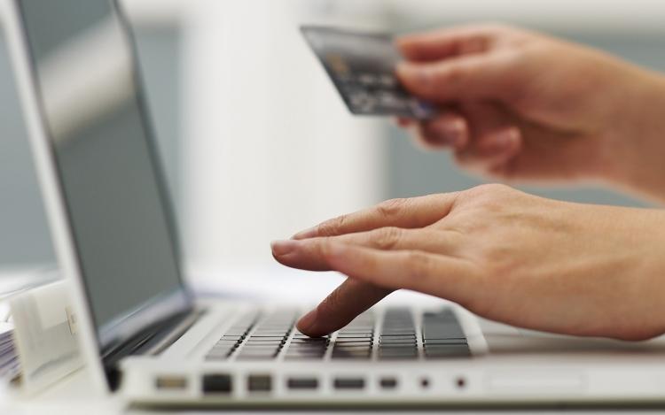 Segítség a biztonságos internetes vásárláshoz  0cba8f7ad3
